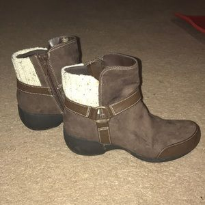 Naturalizer Brown Suede Boots